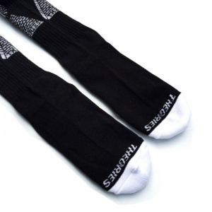 theories_theoramid_socks_black_white_4